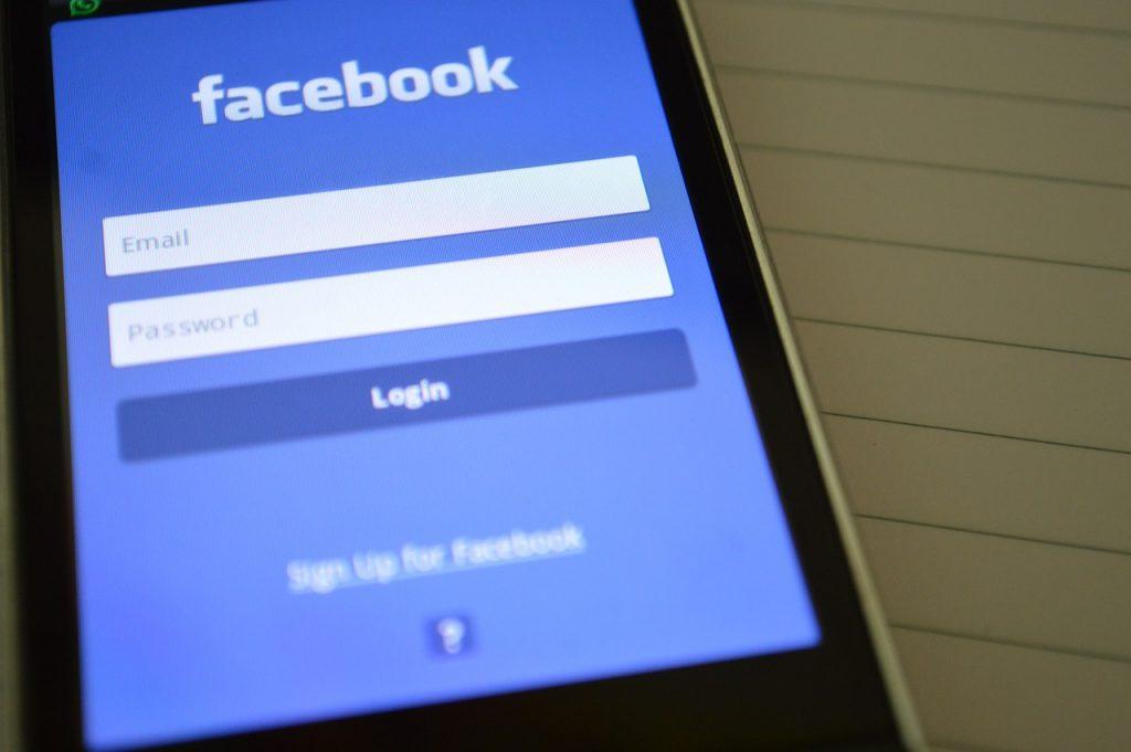 Katso nämä mielenkiintoiset Facebook-sivut liikkumisvihjeitä varten!